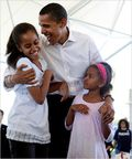 Obama and daughers
