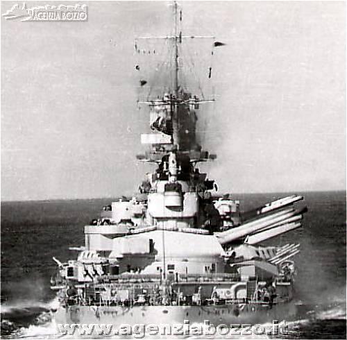 1804C_RN_Littorio_corazzata_1937_esercitazioni_di_tiro_cannoni_1940